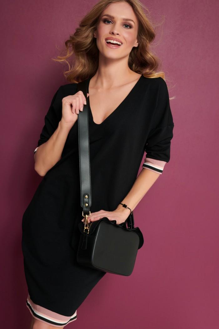 Luźna sukienka z kieszeniami czarna NU284