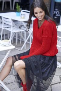 Sweter czerwony w serek NU_S27