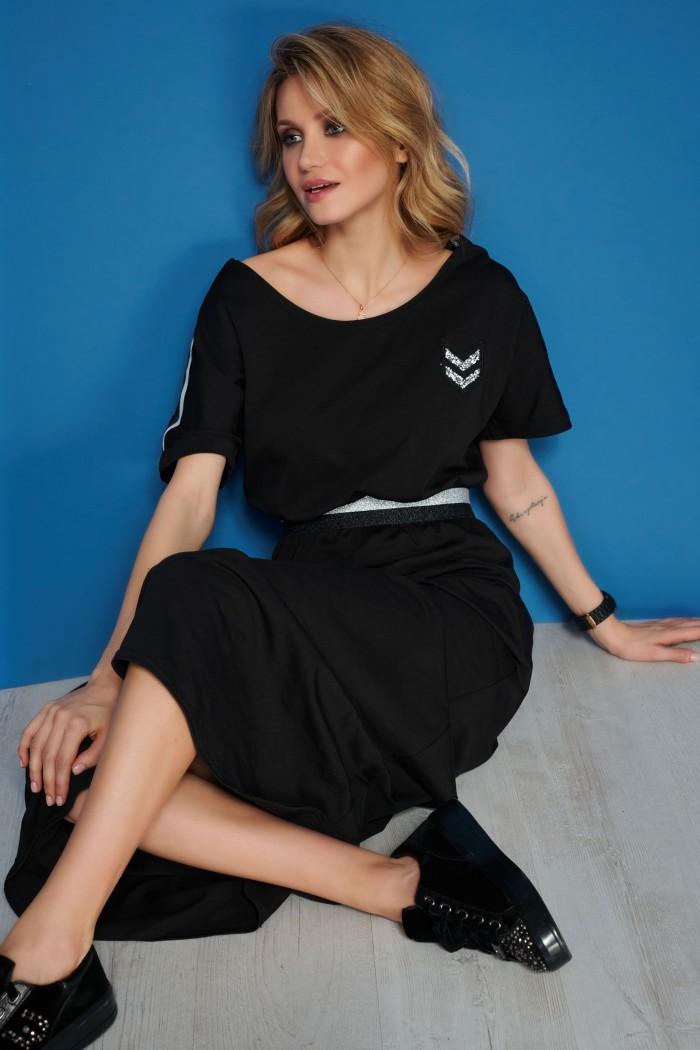 Czarna maxi sukienka z ozdobną taśmą M543