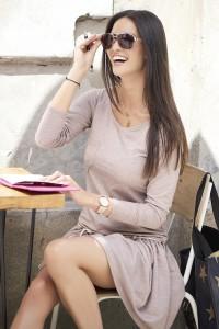 Sukienka cappuccino z wiązaniem NU53