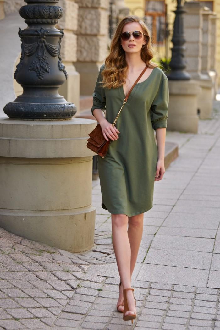 Bawełniana sukienka z aplikacją na plecach khaki L11