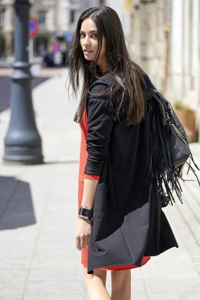 Bluza czarna z kapturem NU54
