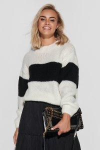 Sweter w paski ze ściągaczami ecru z czarnym S102