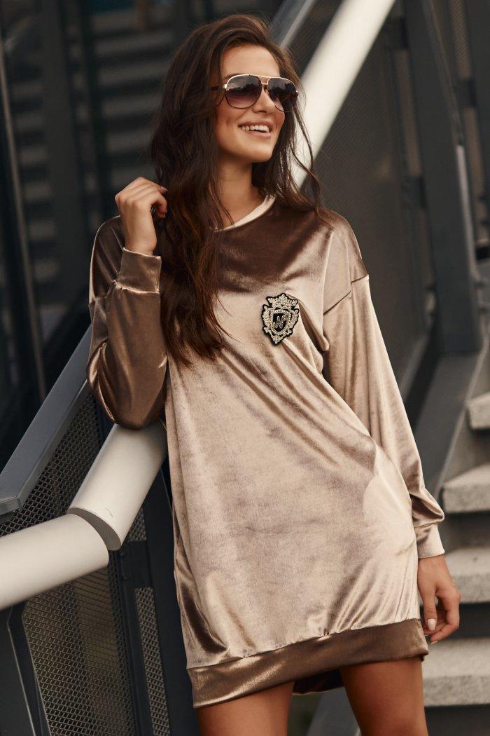 Luźna sukienka z aksamitnego weluru beżowa NU302
