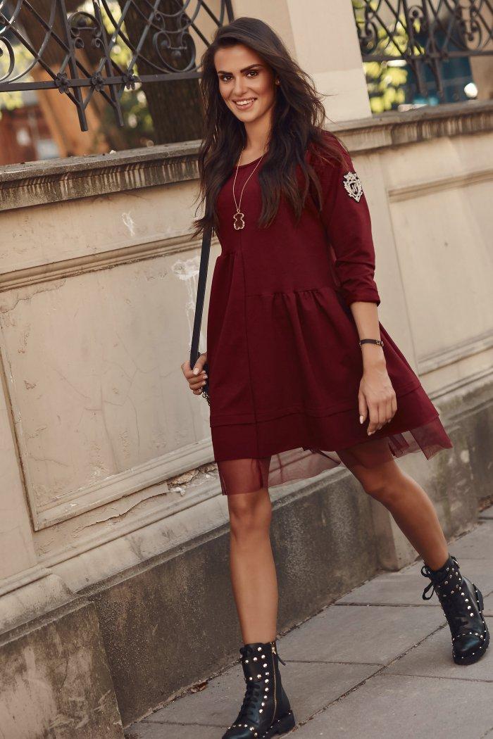 Dresowa sukienka oversize z tiulem bordowa NU312