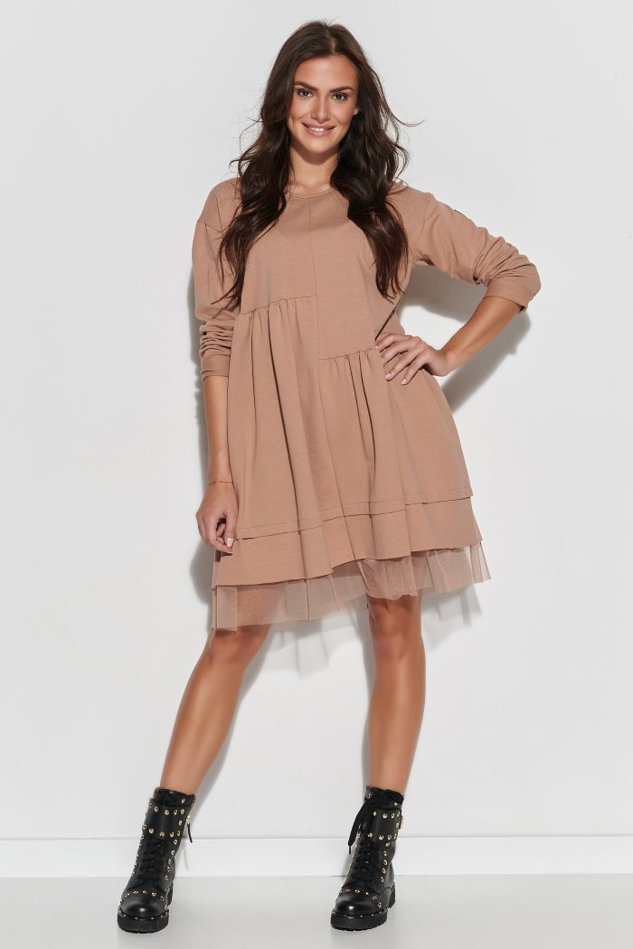 Dresowa sukienka oversize z tiulem cappuccino NU312