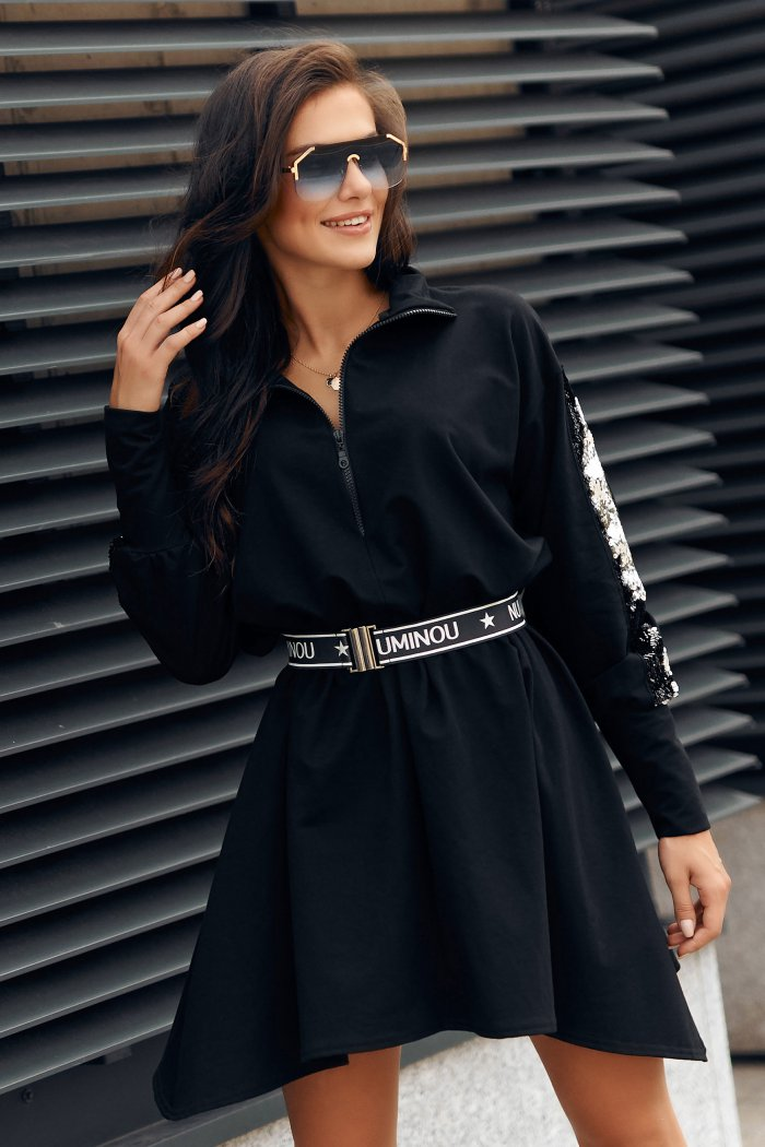 Sukienka oversize z cekinami i paskiem czarna NU316