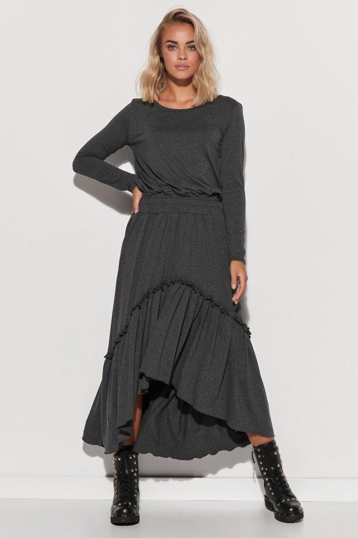 Dzianinowa sukienka maxi z gumą i falbanami grafitowa M573