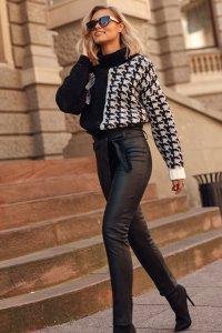 Skórzane spodnie damskie z wysokim stanem i paskiem czarne M616