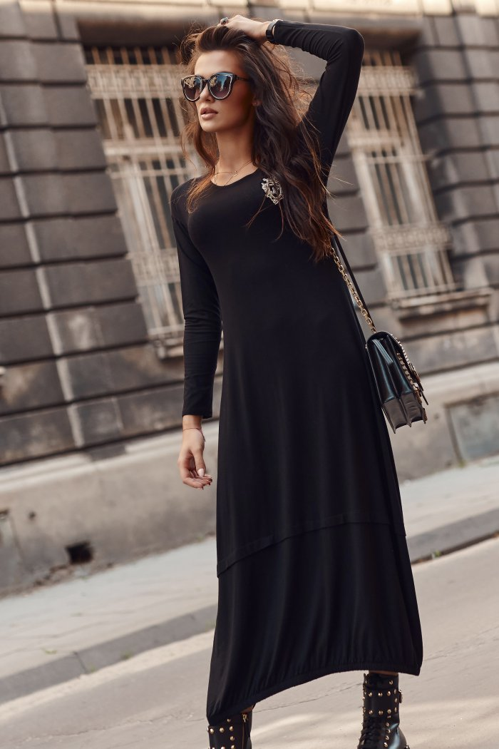 Wiskozowa sukienka maxi z aplikacją Numinou czarna NU319