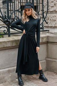 Sukienka wiskozowa z marszczonym golfem i wiązaniem czarna M676