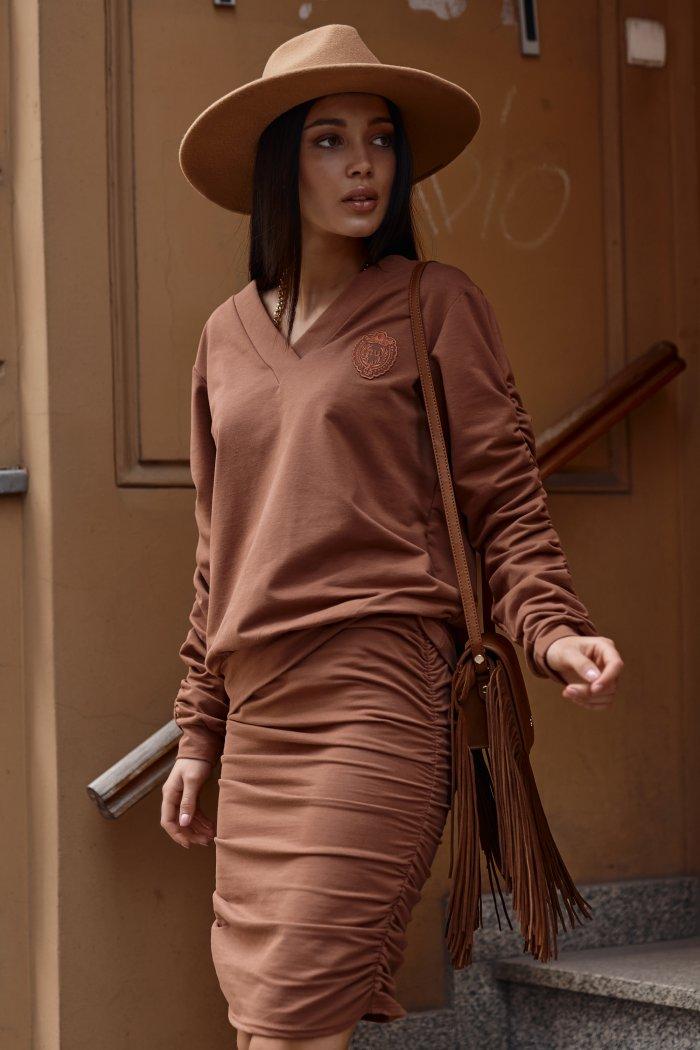 Dresowy komplet damski ze spódnicą karmelowy NU366