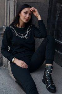 Dresowy komplet damski z błyszczącym haftem czarny NU377