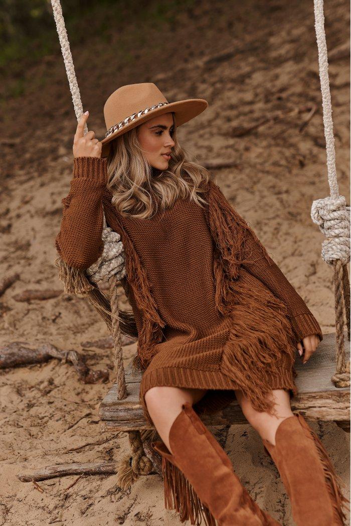 Długi sweter z frędzlami brązowy S115