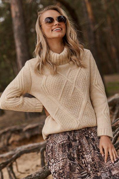 Damski sweter z golfem...