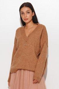 Luźny sweter damski z dekoltem w serek ochra NU_S82