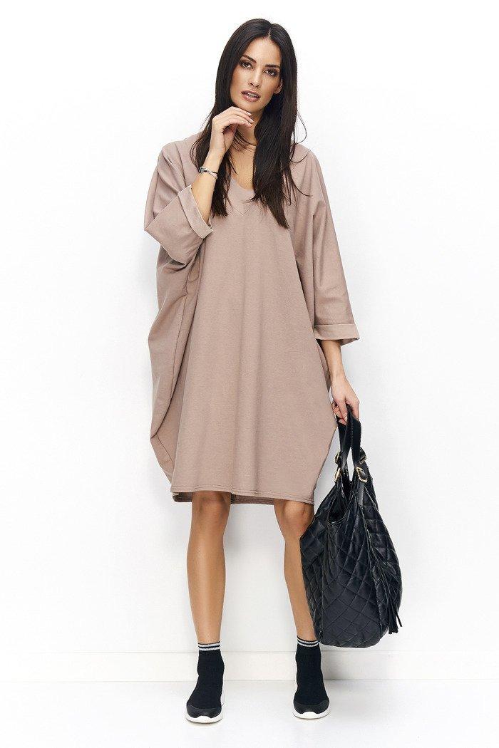 Sukienka oversize z dekoltem w serek cappuccino NU77
