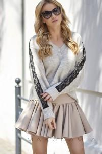 Sweter beżowy z koronką S62