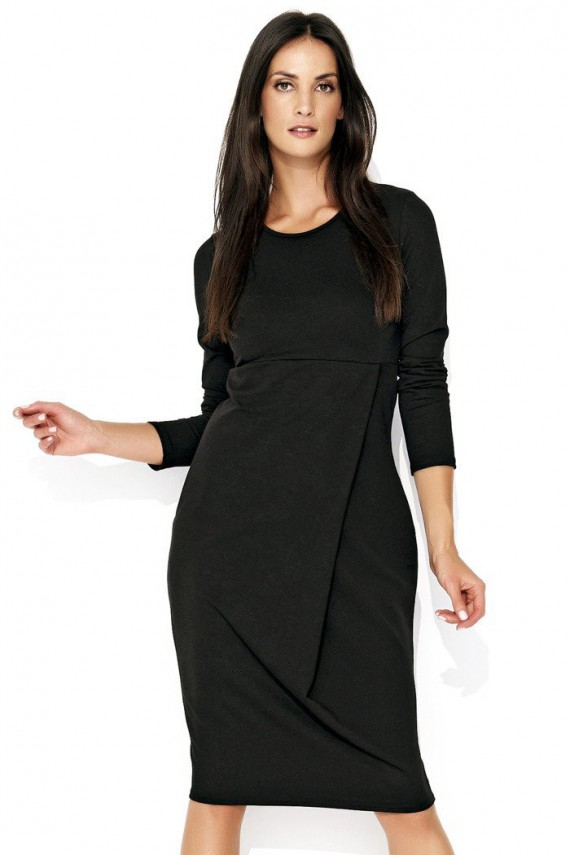 Sukienka czarna z zakładką...