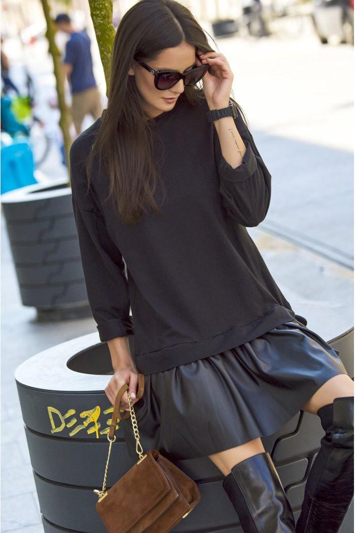 Luźna sukienka z eko-skórą czarna NU122