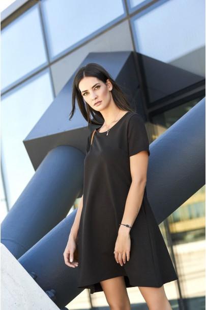 Sukienka czarna trapezowa...