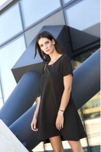 Sukienka czarna trapezowa NU150