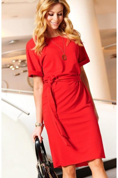 Sukienka czerwona z paskiem...