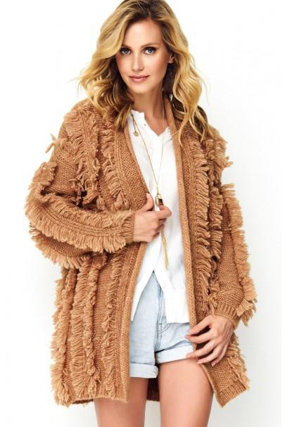 Sweter camelowy z chwostami...