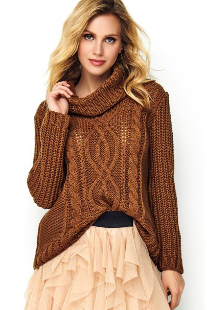 Sweter brązowy z golfem S83