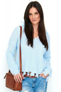 Sweter błękitny z wystrzępieniem NU_S50