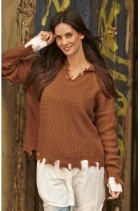 Sweter brązowy z wystrzępieniem NU_S50