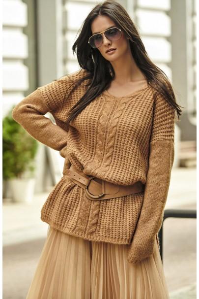 Sweter camelowy z warkoczem...