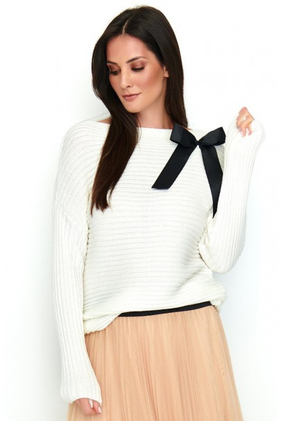 Sweter ecru z kokardą NU_S56