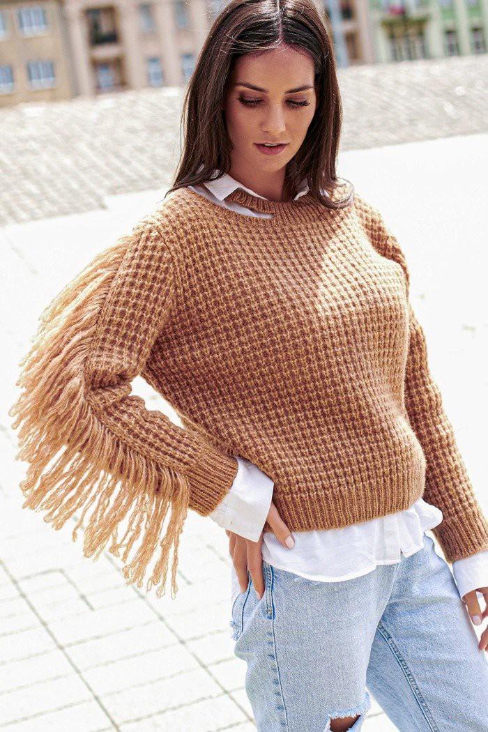 Sweter camelowy z frędzlami NU_S63