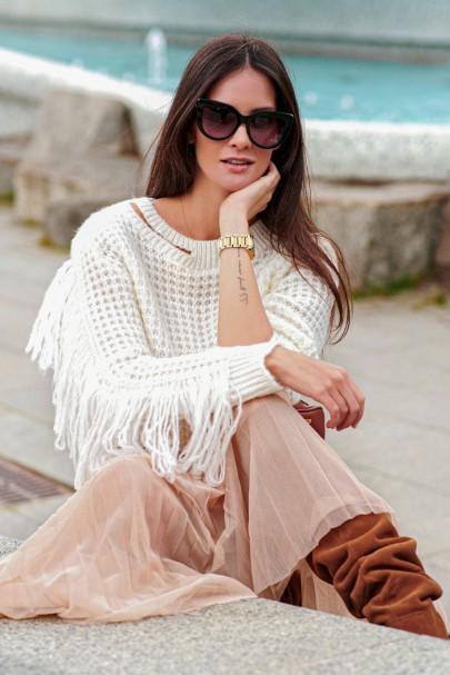 Sweter ecru z frędzlami NU_S63