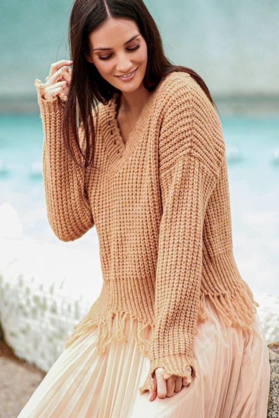 Sweter camelowy z frędzlami...