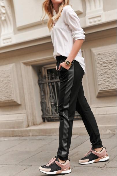 Czarne spodnie ze wstawką z...
