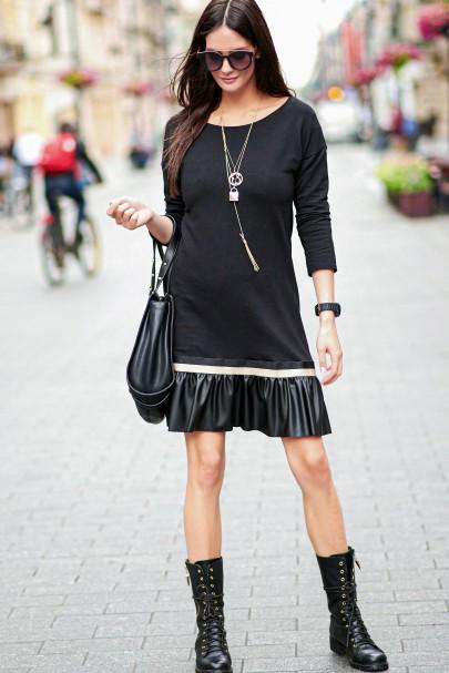 Sukienka czarna z ozdobną...