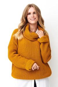 Sweter z golfem musztardowy NU_S71