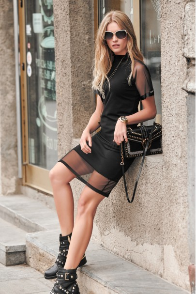 Sukienka z tiulem czarna NU241