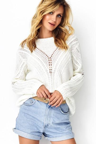 Ażurkowy sweter ecru S93