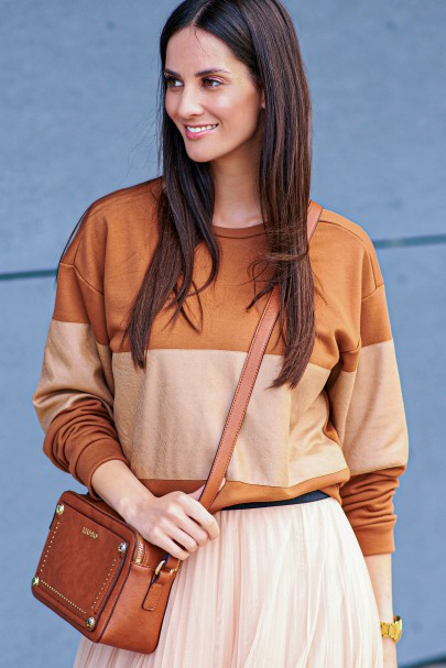 Bluza z eko-skórą camelowa...