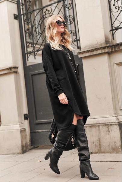 Czarna oversizowa sukienka...