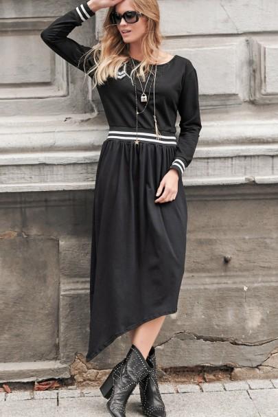 Czarna sukienka z aplikacją...
