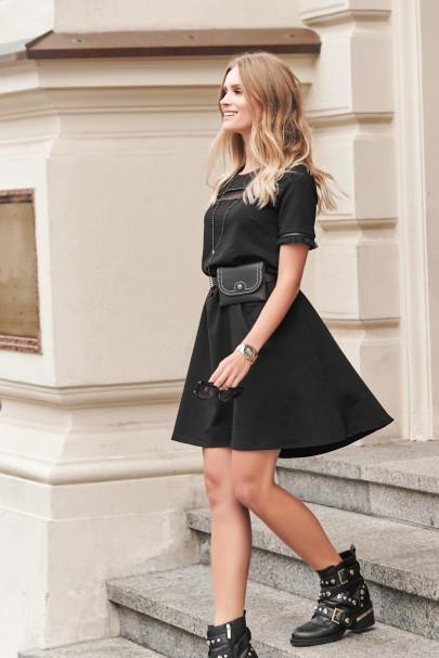 Czarna sukienka z tiulem NU268