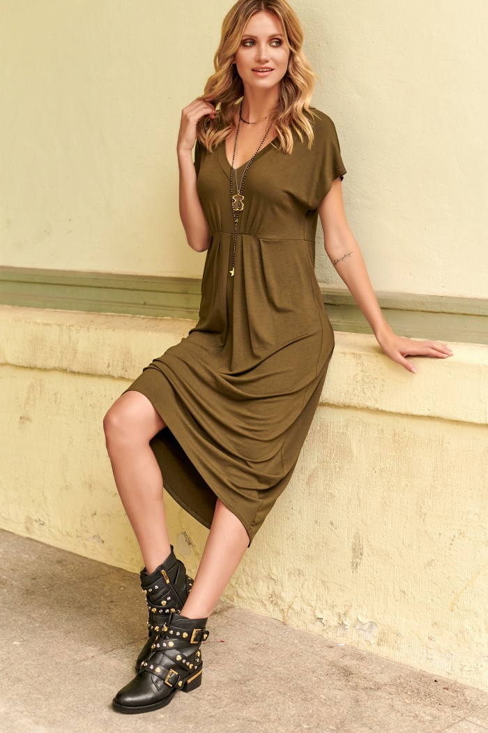 Asymetryczna sukienka z wiskozy khaki M534